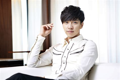 lee seung gi the person living in my heart leeseunggi korean actor singer to enlist in the army on
