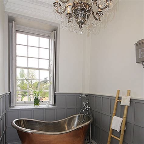 downton abbey bathroom maggie smith s downton abbey house sells for 163 6 million