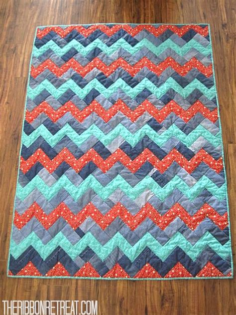 zig zag quilt pattern queen size i m going to do this quilt in a red black gray and white