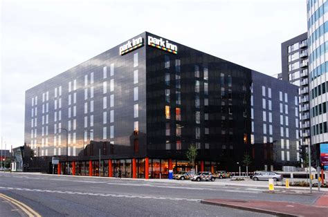 park inn manchester cbre jll launch sale of radisson hotel edinburgh