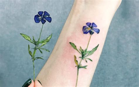 Tattoo Real Flower | stunning this tattoo artist uses real flowers to create