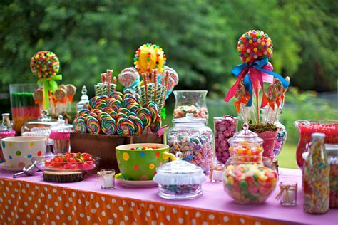 candyland theme decorations : The Centerpieces And Table Of Treats In Candyland Decorations