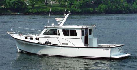 enclosed cabin fishing boats yankee simplicity six cabin cruisers boats