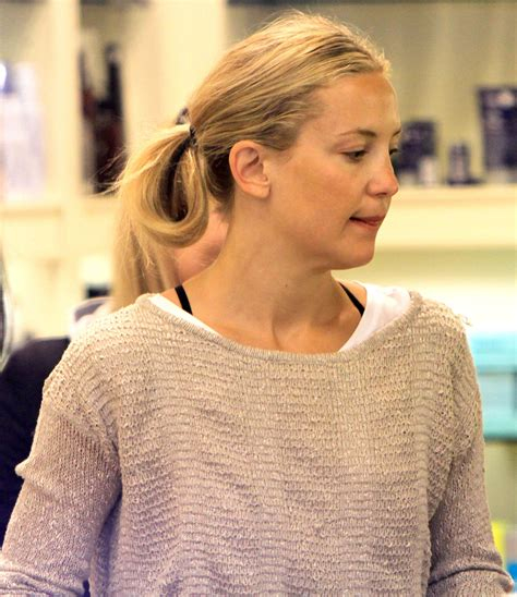 kate hudson shoo kate hudson in kate hudson shops for cosmetics with
