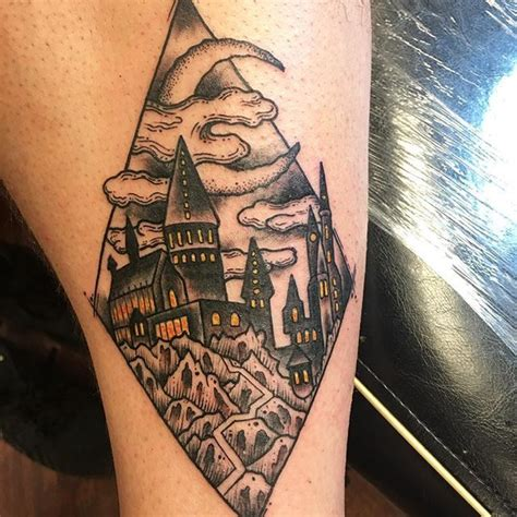 hogwarts tattoo 25 best ideas about hogwarts on harry