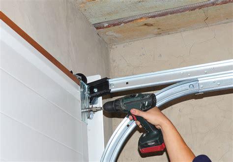 weather that can damage your garage door in bakersfield ca