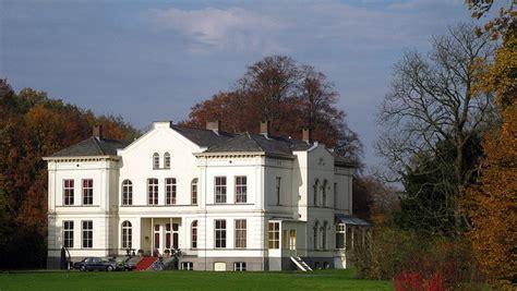 huis wibi soerjadi wibi soerjadi zet vrijgezellenvilla te koop show ad nl