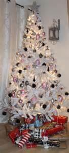 tree silver white: elegant white christmas decoration ideas lighted white christmas tree