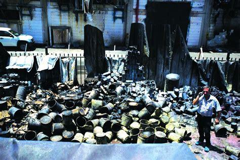 gaza set gaza rockets set factory ablaze in sderot news