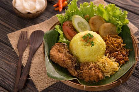 resep nasi kuning  ayam goreng masak  hari