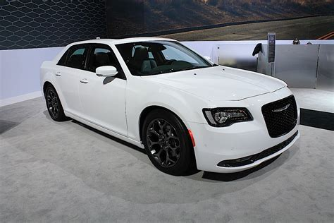 chrysler 300c srt could the chrysler 300c srt return for 2016 street muscle