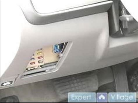 Flasher 12v T Hiace Diesel car maintenance and repair tips where is the fuse box