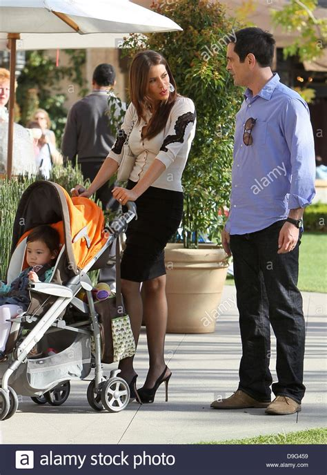 ty burrell and family sofia vergara and ty burrell on the set of modern family