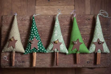 30 handmade decorations with cinnamon sticks