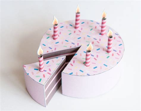 Birthday Cake Papercraft - paper birthday cake