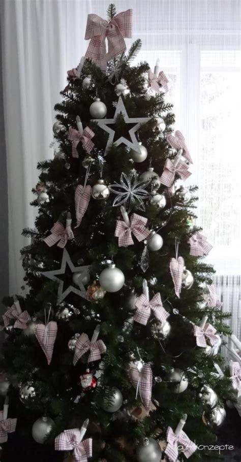 weihnachtsbaum karierte schleifen raumkonzepte