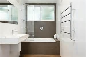 badewannen kleines bad badewannen mit duschzone 24 vorschl 228 ge