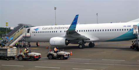 batik air garuda flying in economy class with garuda indonesia bali