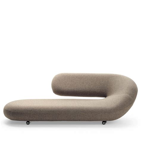 chaise rembourrée chaise longue ke zu furniture residential and contract