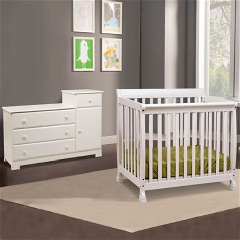 davinci kalani mini crib white da vinci 2 nursery set kalani mini crib and combo