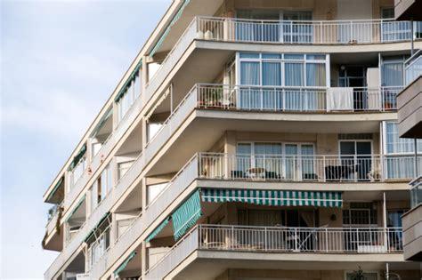 terrazza sul tetto definizione balcone aggettante e incassato infiltrazioni e danni