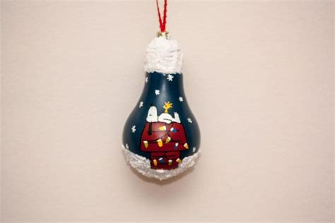 snoopy light bulb ornament 337 best images about bulb ornaments on kansas
