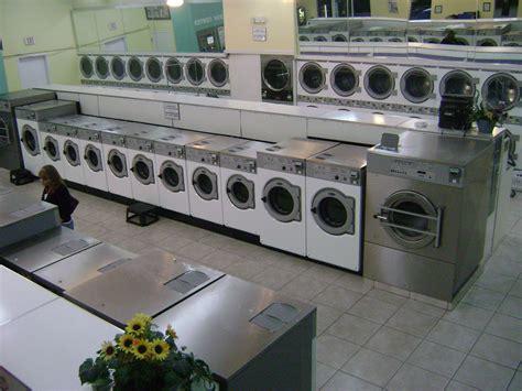 24 hr laundromat near me