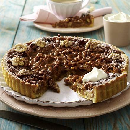 karamell nuss kuchen walnuss karamell tarte rezept lecker de