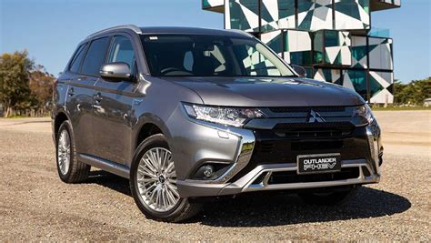 2020 Mitsubishi Outlander Phev Range by Mitsubishi Outlander Phev 2019 Pricing And Specs Confirmed