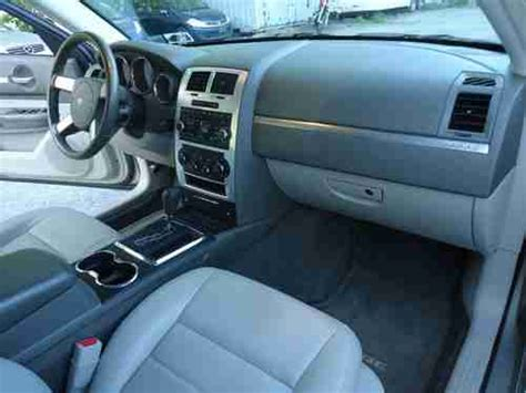 how make cars 2008 dodge magnum interior lighting purchase used 2008 dodge magnum sxt wagon 4 door 3 5l awd leather interior smooth no reserve