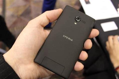 Spesifikasi Hp Sony Zr harga sony xperia zr berspesifikasi layar hd desain anti