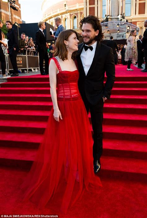 game of thrones actor engaged kit harington and rose leslie are engaged daily mail