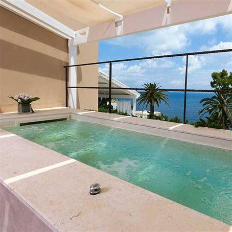 suite con vasca idromassaggio per due lifestyle le 8 suite di lusso pi 249 di isola