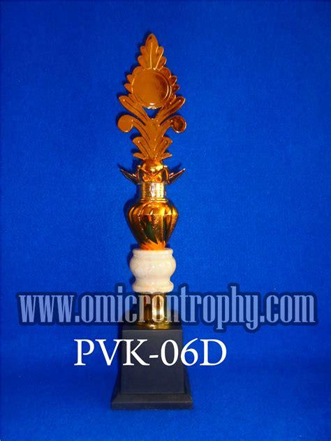 Trophy Piala Figur Bintang Delapan Tatakan Bulat piala trophy marmer