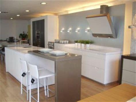 dise 241 o de casas dibujos on pinterest floor plans small ayuda dise o de cocina con barra desayunadora o isla