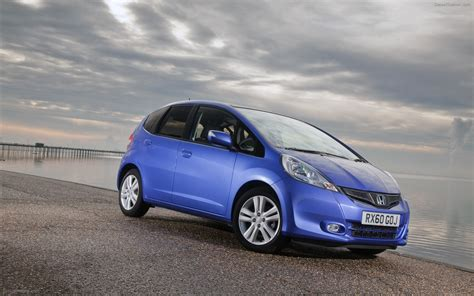 Honda Jazz At 2011 honda jazz 2011 widescreen car wallpapers 08 of 36