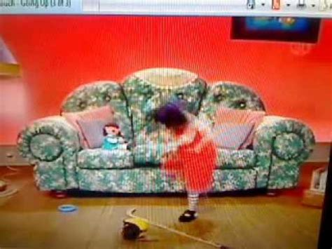 Big Comfy Couch Quot Going Up Quot 10 Second Tidy With