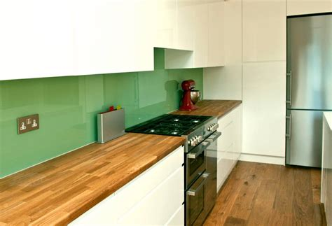wood floors in kitchen matching wood flooring to wood worktops in the kitchen