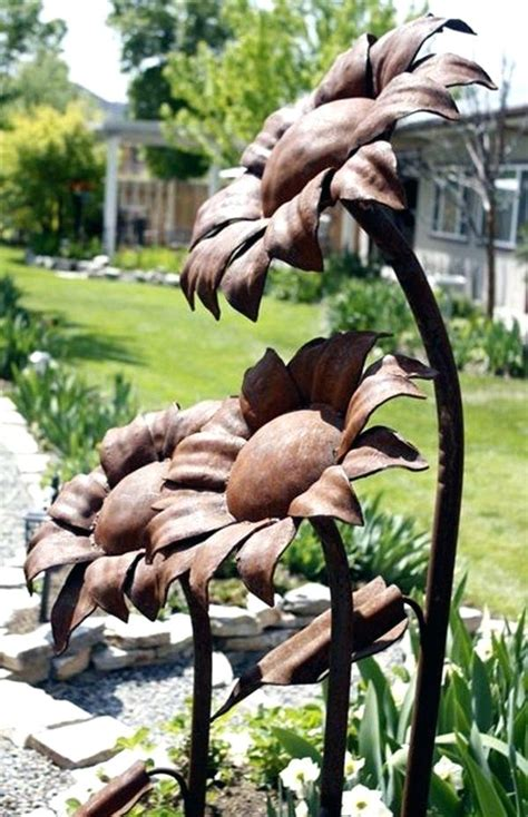 Garden Decoration Metal by Metal Sunflower Garden Decoration Utterly Beautiful Rusted