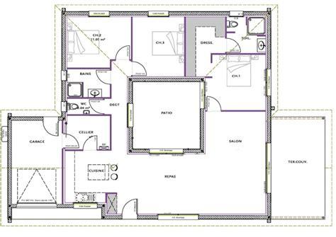 plan de maison avec patio central plan de la modele
