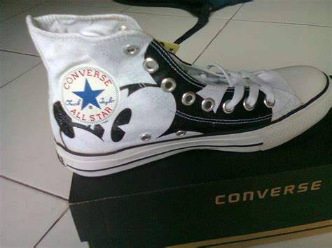 Sepatu Converse Chuck Original mickey mouse converse sepatu converse original tom muriyah disney wedding ideas