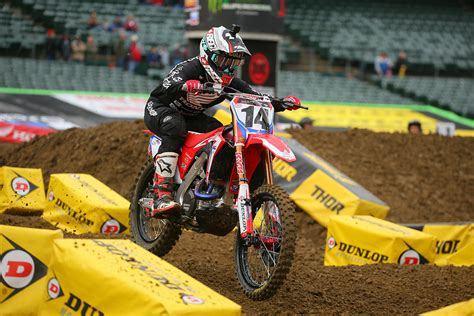 motocross race tonight cole seely out for seattle supercross night show