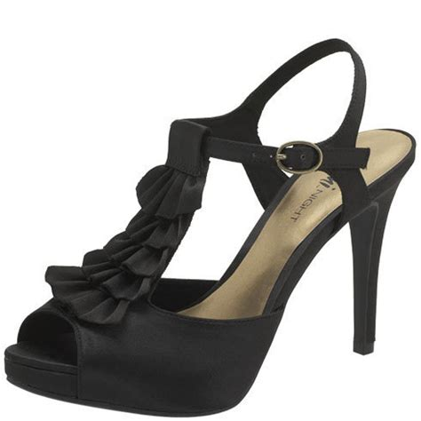 payless fioni s luring from payless