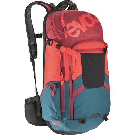 20l backpack wiggle evoc fr trail team 20l protector rucksack rucksacks