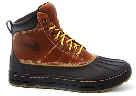 nike boots nike acg woodside boots fall 2010 sidewalk hustle
