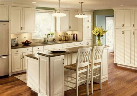 кухня с островом привлекательный интерьер гостиной