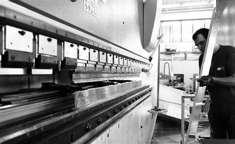 produzione cabine doccia cabine e box doccia su misura in cristallo e acciaio calibe