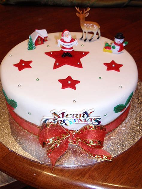 Best Christmas Cake Design ? WeNeedFun