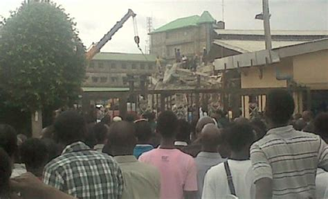 synagogue church of all nations uganda nigeria preacher tb joshua s guesthouse collapses killing