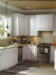 Kitchen Tile Backsplash Ideas With White Cabinets by Kitchens With White Cabinets And Backsplashes Backsplash